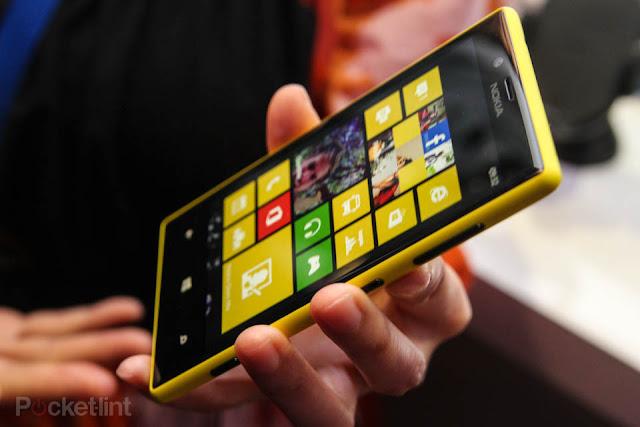 Nokia Lumia 720 gambar