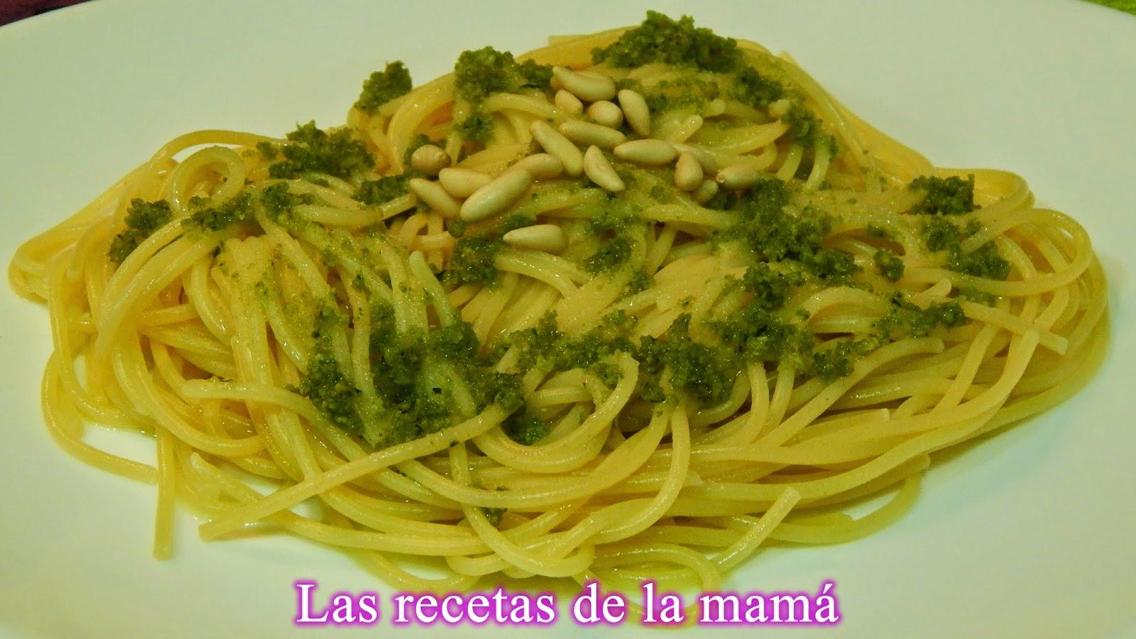 Espaguetis con salsa al pesto