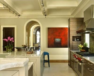 Картина в интерьере кухни