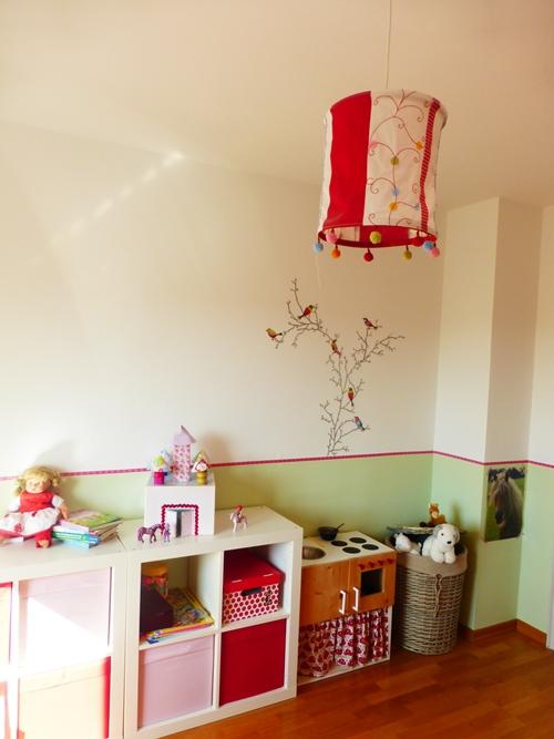 Spielzimmer Kinderzimmer bunt Lampe Ikea