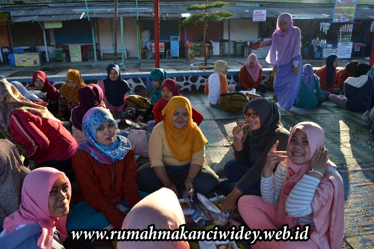 PESAN ORDER NASI KOTAK RUMAH MAKAN MURAH ENAK CIWIDEY HP 0813 2373 ...