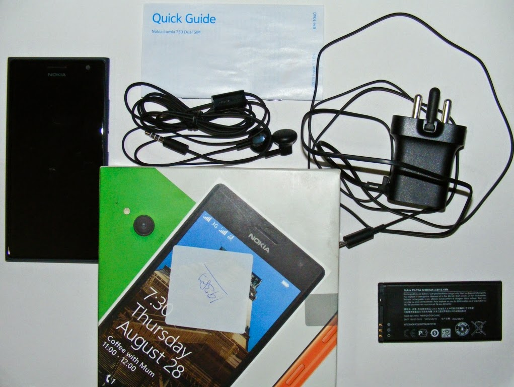 Nokia-Lumia-730-box-contents