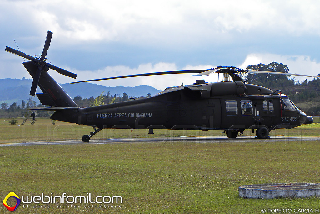 UH-60 Black Hawk de matrícula FAC4138, el Ángel III
