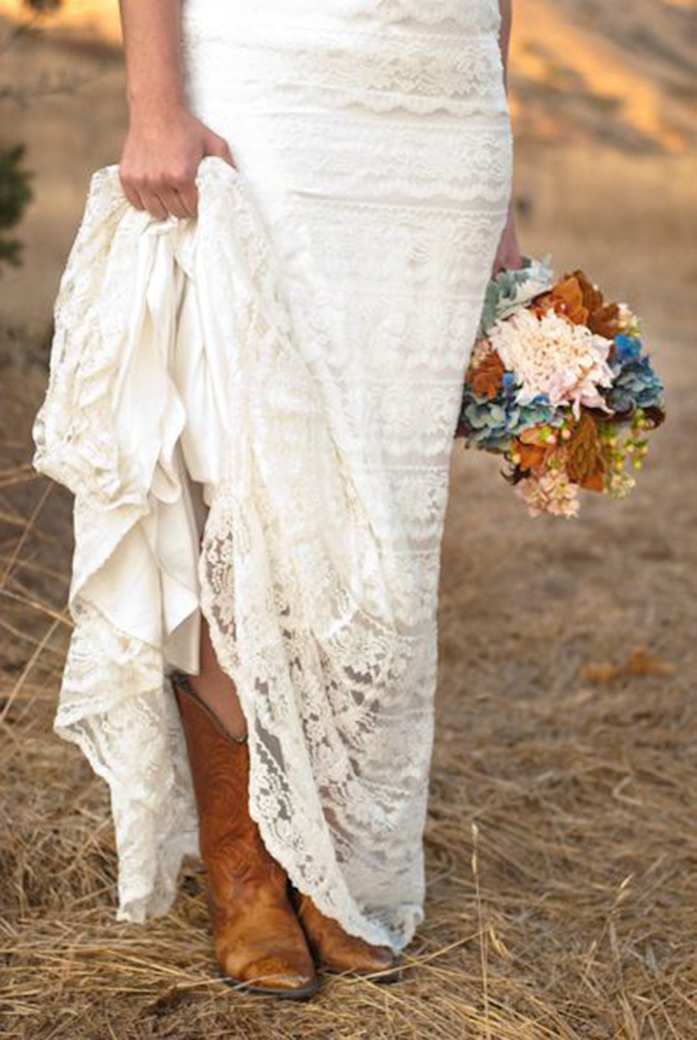 boda novia cuero piel leather wedding bride cuir boho hippy ideas