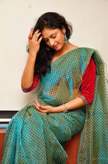 Hari Priya  Gorgeous Looking Pictures 015.jpg