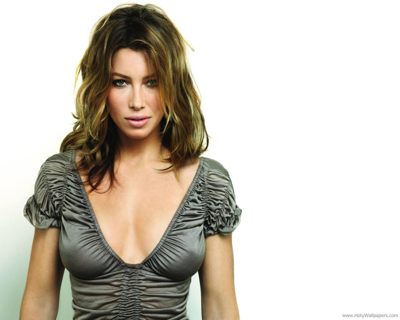 http://4.bp.blogspot.com/-jRyFF7nGl5M/ToWalA8AmtI/AAAAAAAALFI/LJPFb0ksxWI/s1600/jessica_biel_hollywood_actress_wallpaper.jpg