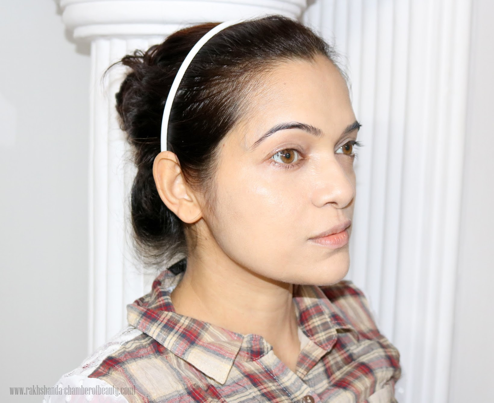 Illamasqua Radiance Veil, How to get radiant skin, FOTD, how to get lit-up glow with Illamasqua Radiance Veil, Illuminator, makeup look, tutorial, Illamasqua, Picture tutorial, how to illuminate, Indian beauty blogger, how to use Illamasqua Radiance Veil, how to get glow, makeup tips, radiant skin with radiance veil, Indian makeup blog, chamber of beauty, makeup