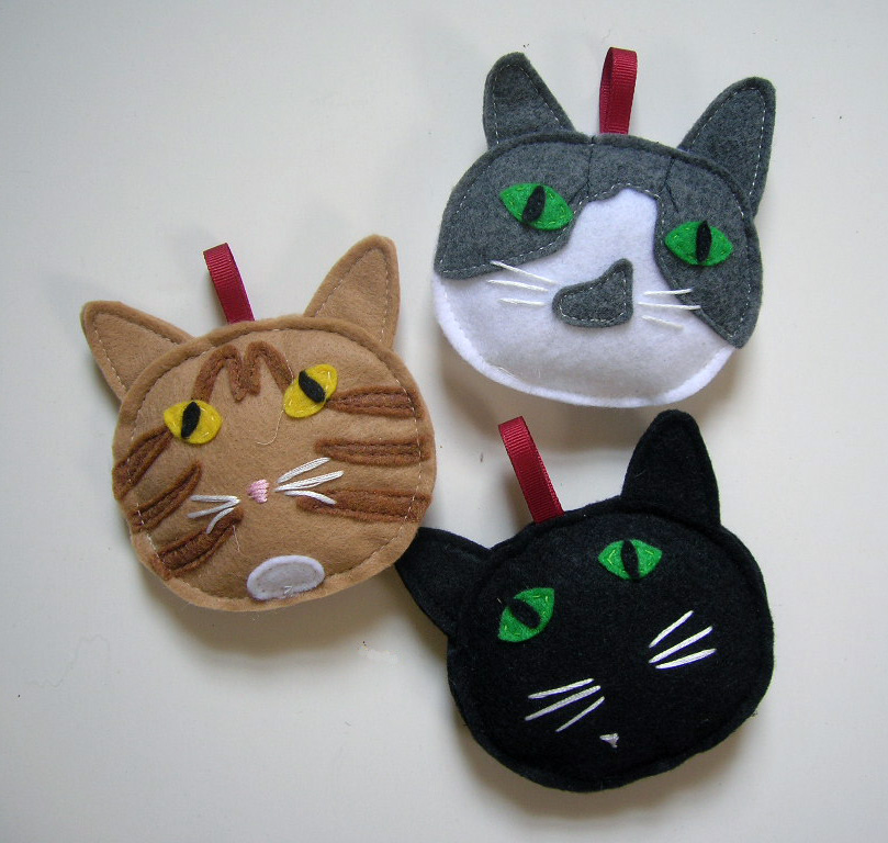 Panda with cookie personalized cat ornaments at panda for Cat christmas ornaments craft
