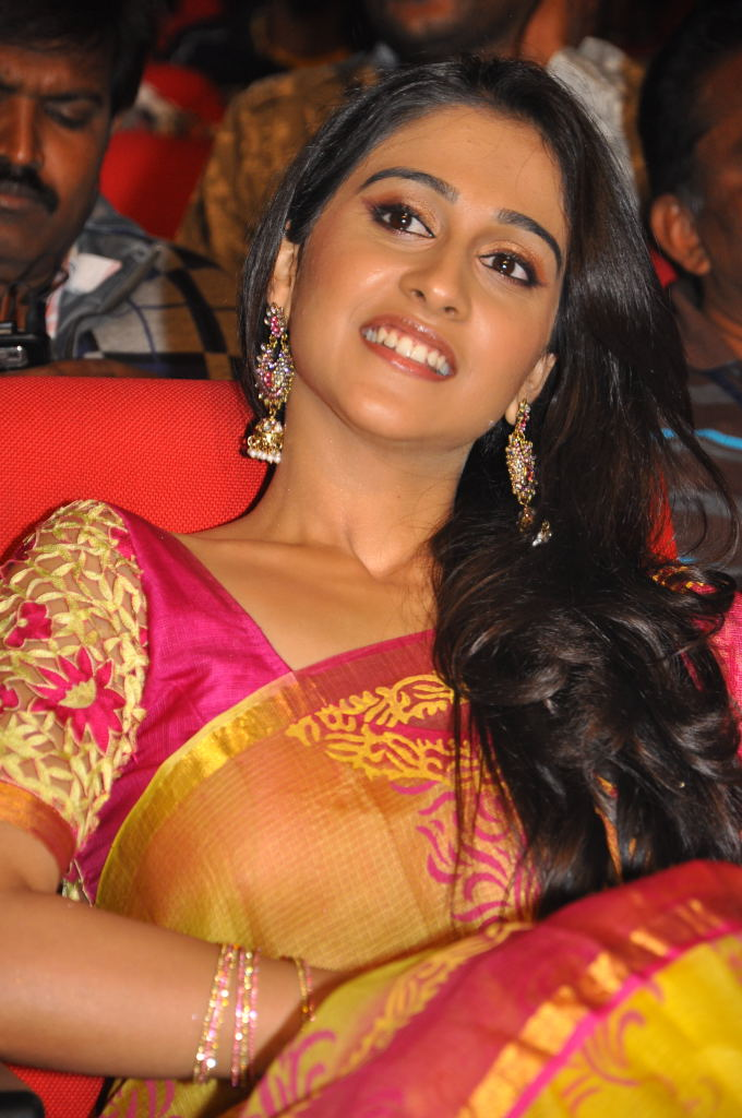 regina at sms movie audio launch, regina