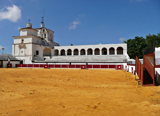 RUEDOS CON HISTORIA: plaza de toros ermitas