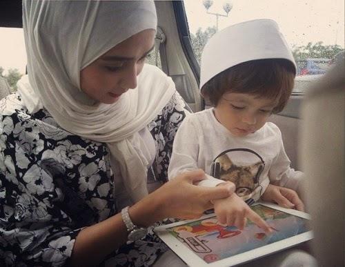 Gambar Comel Anak Wawa Zainal Dan Ariel Zafril