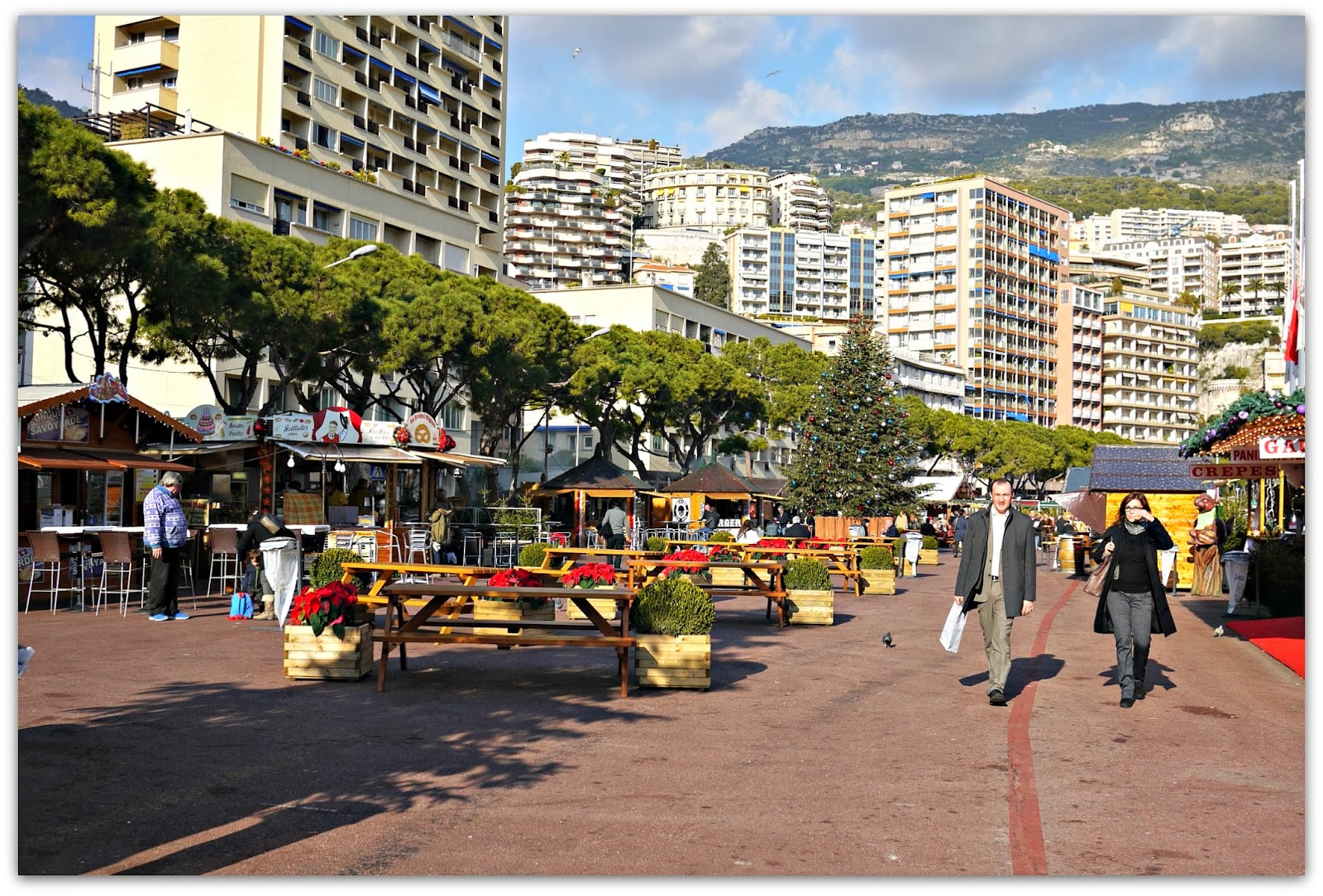 gustia: Luxe Snacks at the Christmas Village, Monaco Style