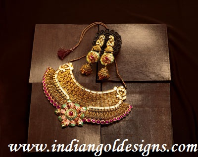 Tbz Jewelry Designs http://www.indiangoldesigns.com/2011/11/tbz-antique-bridal-gold-neckalce-set.html