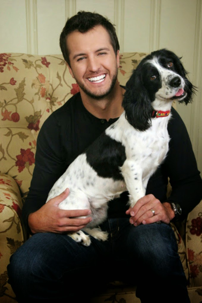 luke bryan with dog