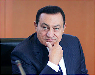 توفى مبارك فى عام 2004 ميلادية !!! / بقلم : عاشق فن إرتواء العقل