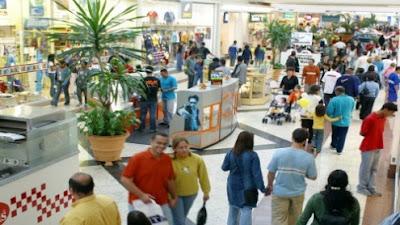 Brasil: Sem regulamentação, comerciários trabalham até 70 horas semanais...