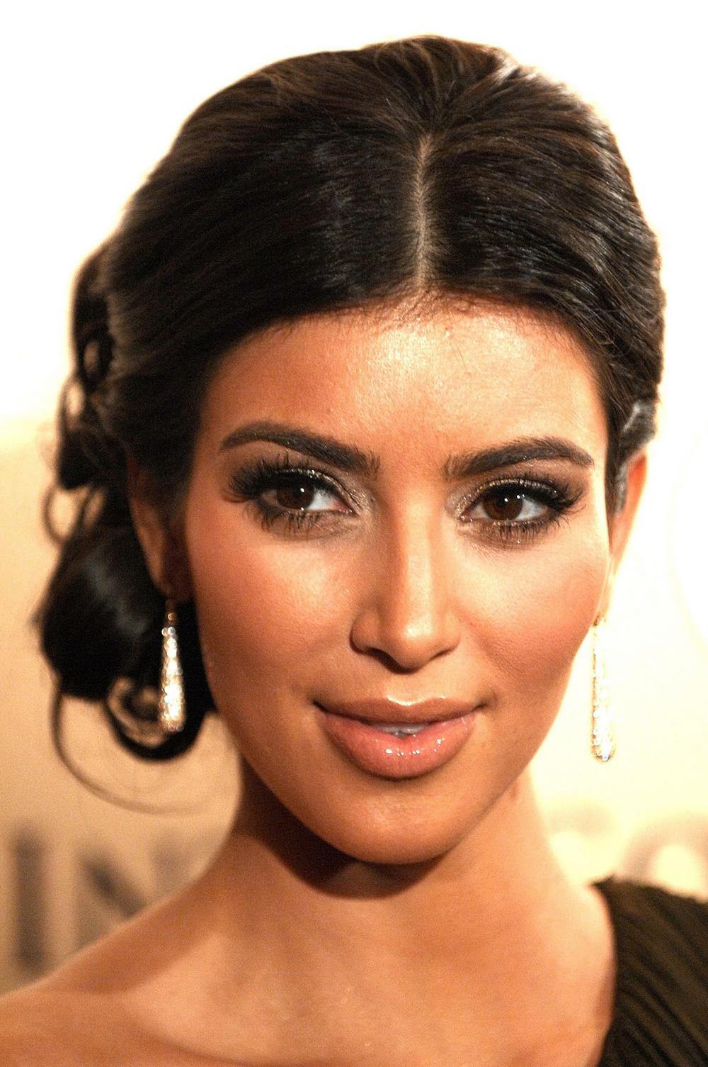 Kim Kardashian Updo Hairstyles 03