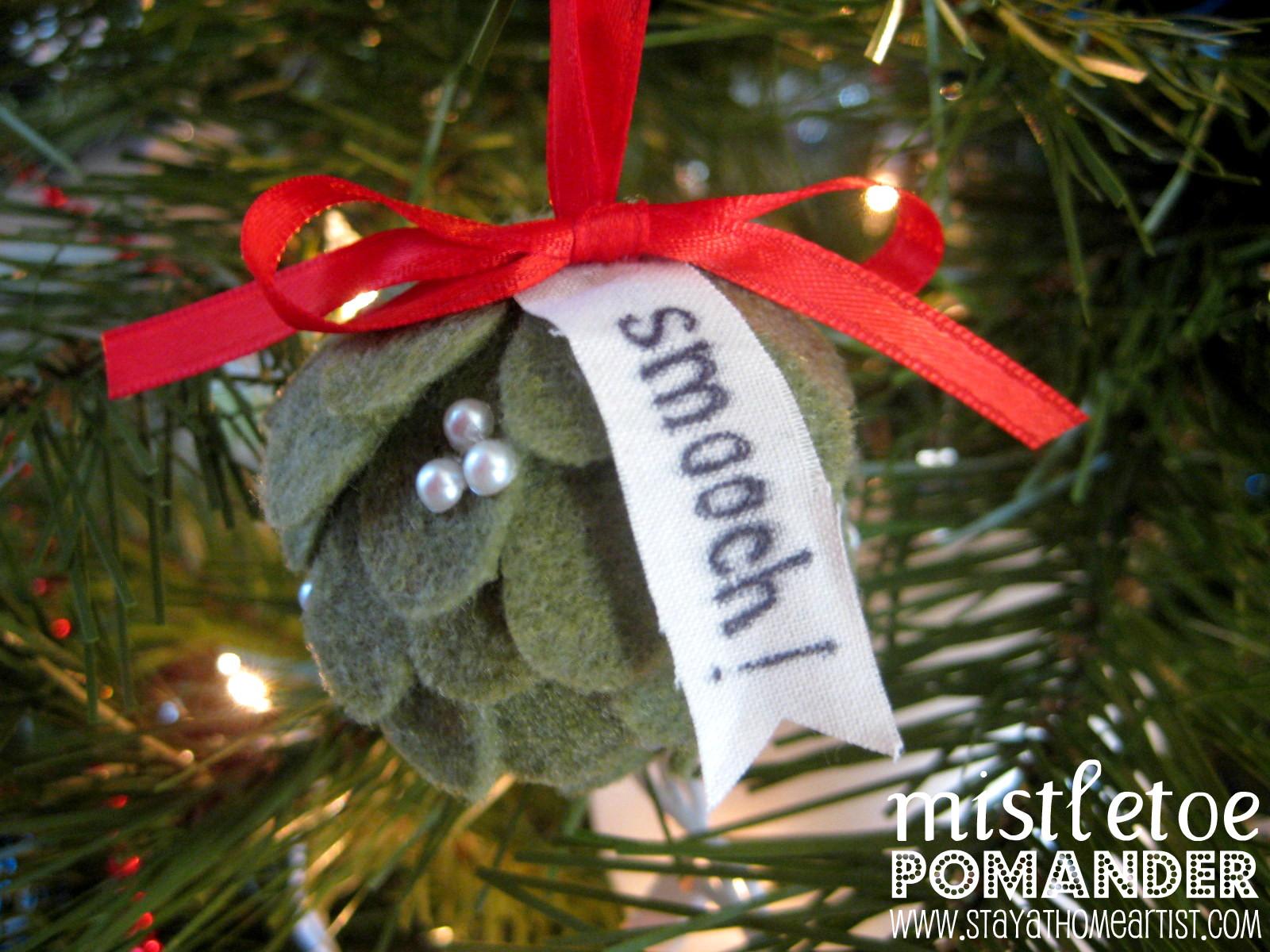 A Mini Mistletoe Pomander Ornament!