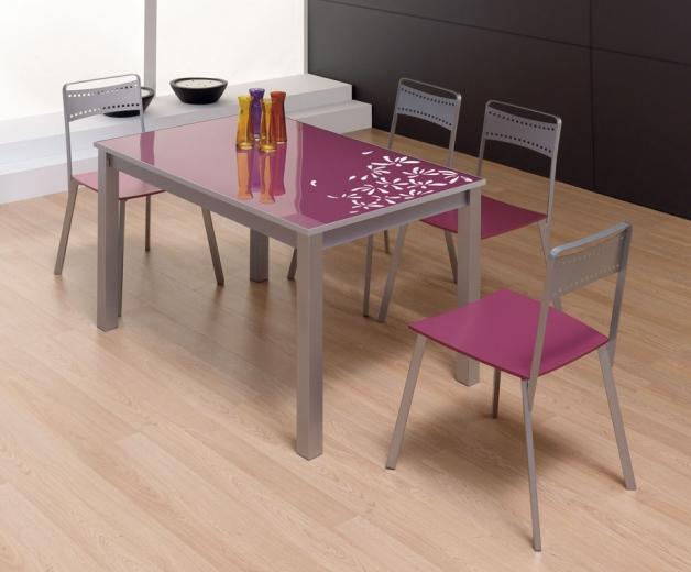 silla cocina morada
