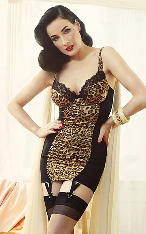 morsi pr blog dita von teese launches von follies lingerie line. Black Bedroom Furniture Sets. Home Design Ideas