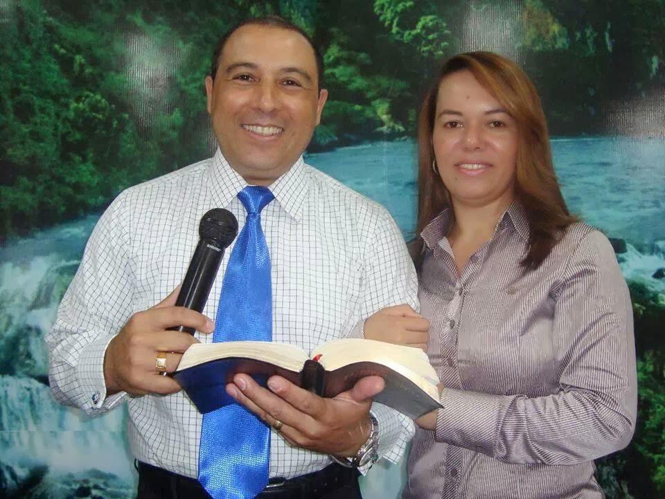 Bispo anderson camargo e esposa pastora Luciene camargo