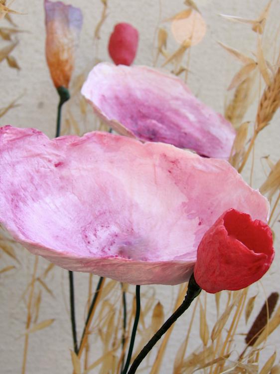 Matrimonio eco friendly : centrotavola di fiori di carta , rosso arancio fatti a mano
