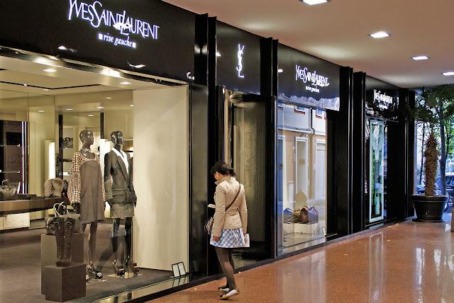shopping-de-lujo-en-Bolonia-YSL