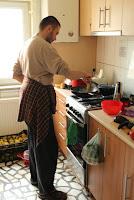 ujratalpon.ro - hagyma sütése és párolása wokban