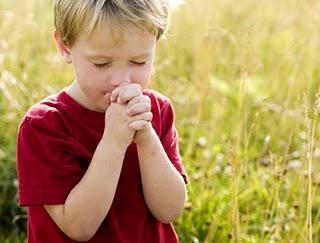 Das orações que tenho pra hoje, essa é a que vem primeiro, que a força do bem seja dez vezes maior que a do mal, amém