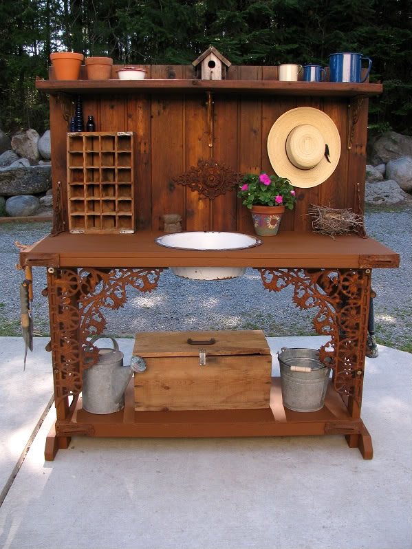 The decorated house garden potting bench for Garden potting bench designs