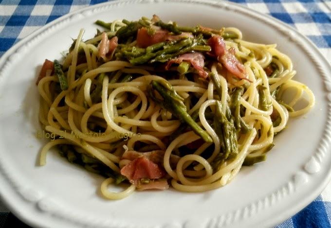 pasta con asparagi selvatici e speck