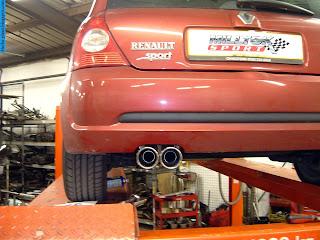 Renault clio car 2012 exhaust - صور شكمان سيارة رينو كليو 2012