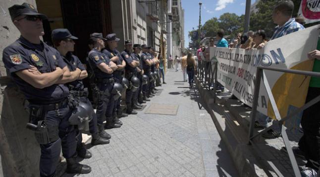 [Málaga] La lucha contra el ERE y los 380 despidos de los trabajadores de Isofotón ... Mani1