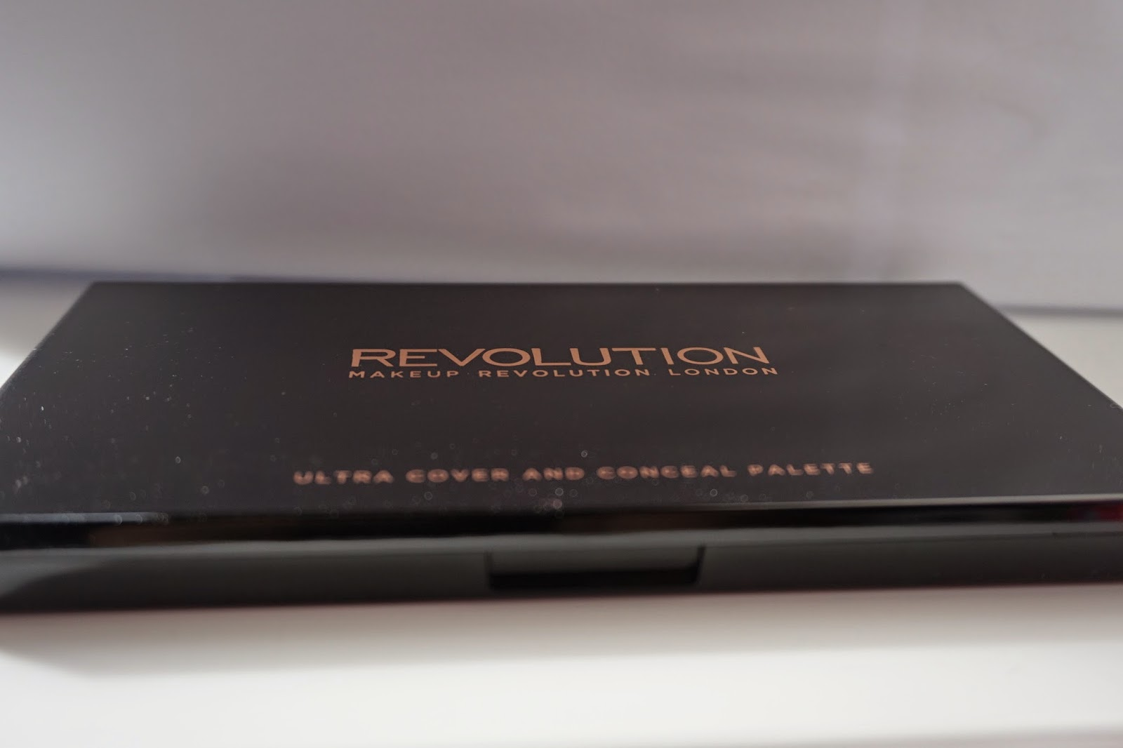 Makeup Revolution Ultra Cover and Concealer Palette Light -  Medium- Dusty Foxes Beauty Blog