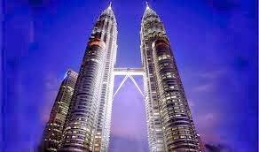 World's Tallest Twin towers, Petronas, kuala Lumpur, tourism Malaysia, reviews malaysia