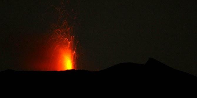 Gunung Slamet dan ramalan politik Tanah Air