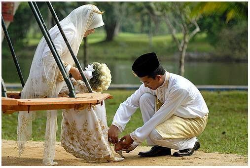 Para ulama membolehkan perempuan mengajukan syarat tertentu kepada calon suaminya Hukum perempuan mengajukan syarat tertentu kepada calon suaminya