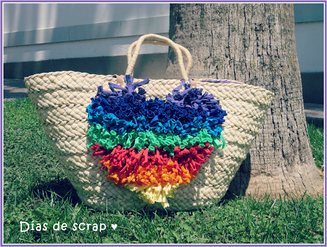 diy Capazo de playa decorado con trapillo multicolor