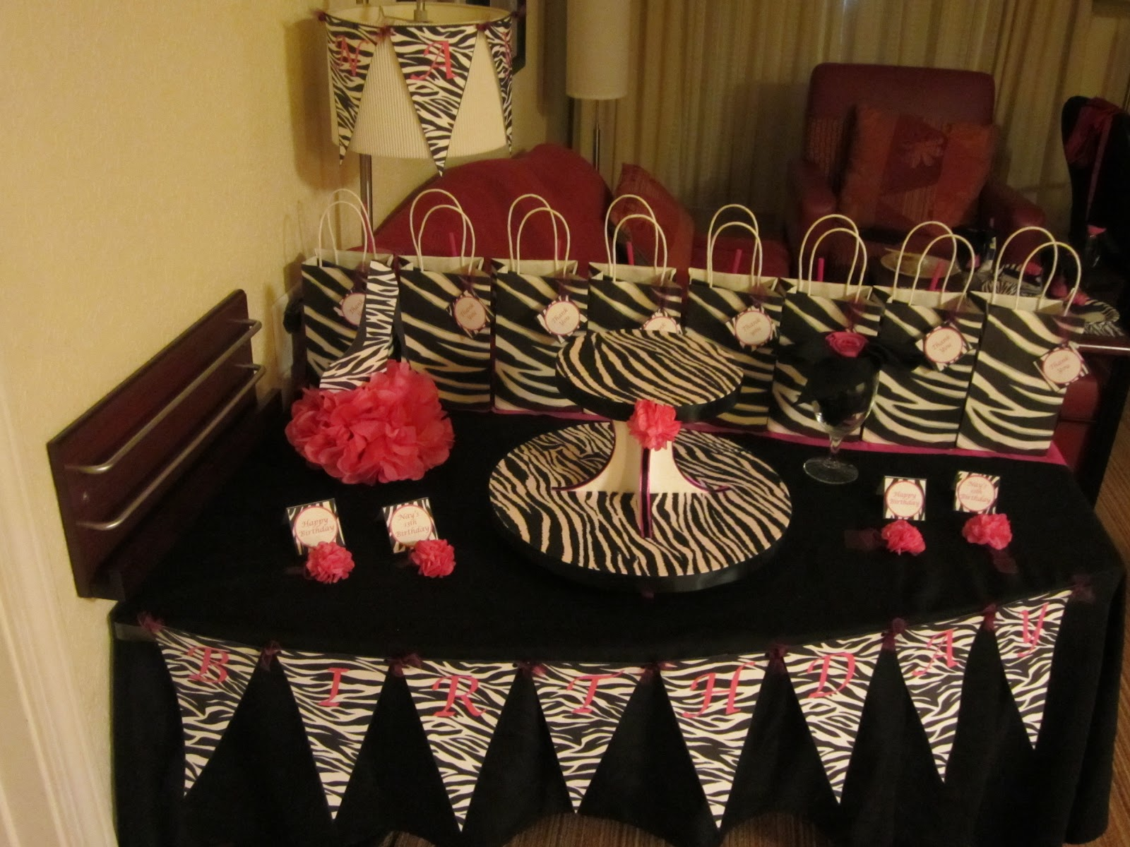Diy party decorations sweet 16 party ideas diva hot for Zebra decorations for home