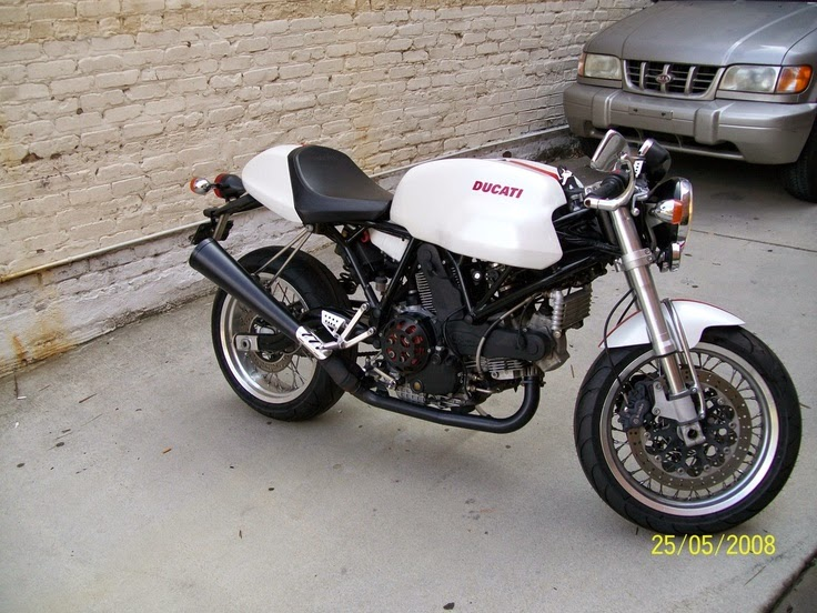Modifikasi Ducati Sport Classic Putih