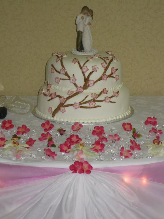 Fondant and blossoms!