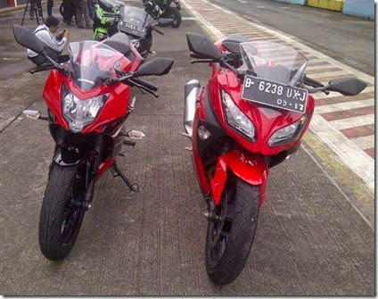 Foto Kawasaki Ninja RR mono vs Kawasaki Z250SL Beda Spesifikasi Harga