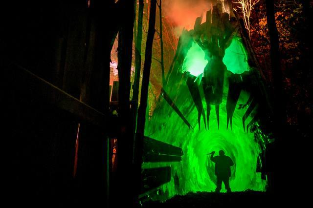 Legendary Haunt Tour Salem 2014 - Haunted Overload