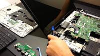 Peluang usaha jasa servis laptop gadget image