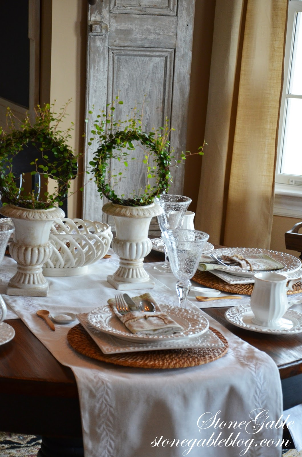 Formula for setting a casual table stonegable for Casual dinner table setting ideas