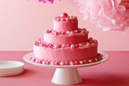 كيكة عيد ميلاد بالفروستينج الوردي