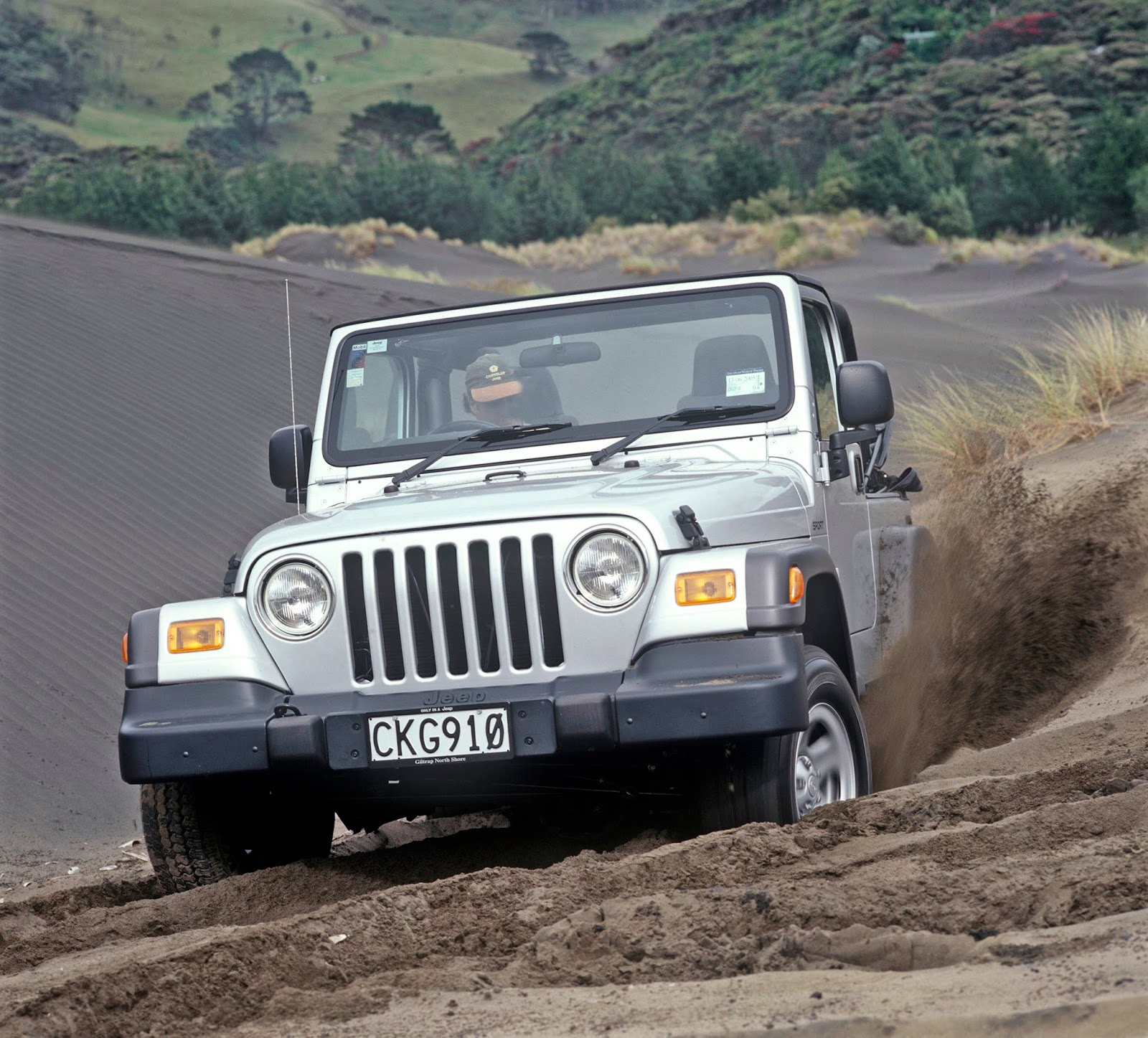 4WD Newz: Ten Years Ago, When The Wrangler Got A Six Speed