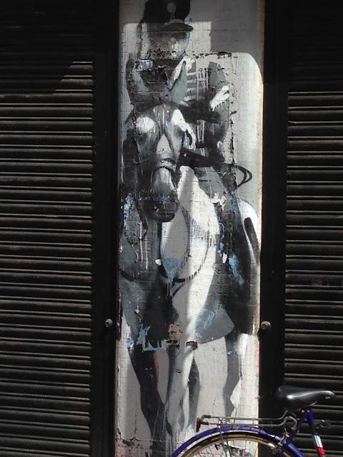 street art napoleon