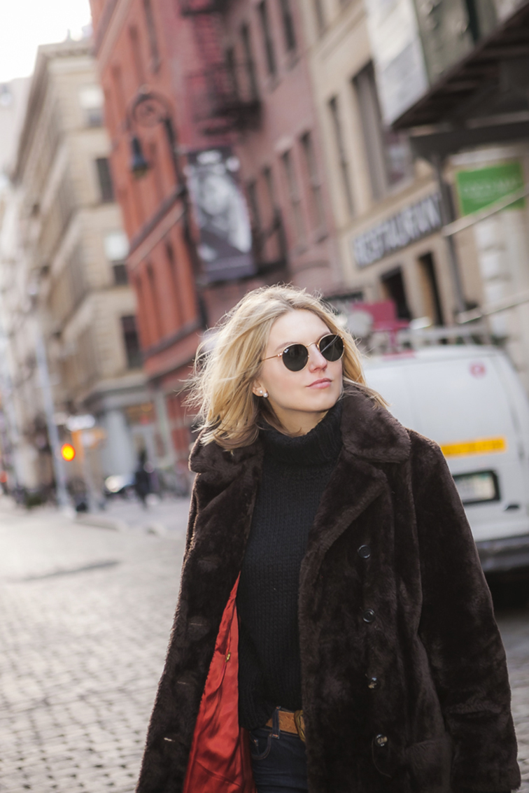 Ray-Ban Lennon sunglasses, in motion, street style