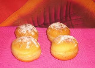 Krofne, donuts